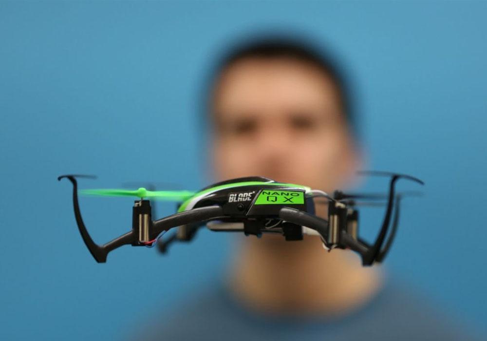 Blade Quadrocopter im Flug
