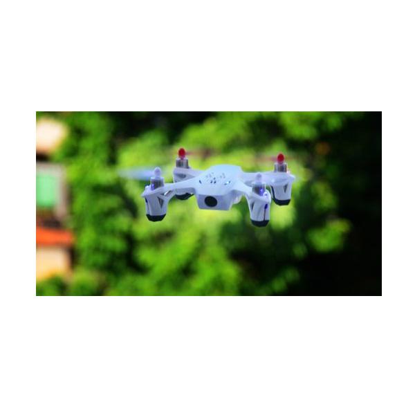 Quadrocopter mit Live Kamera im Flug